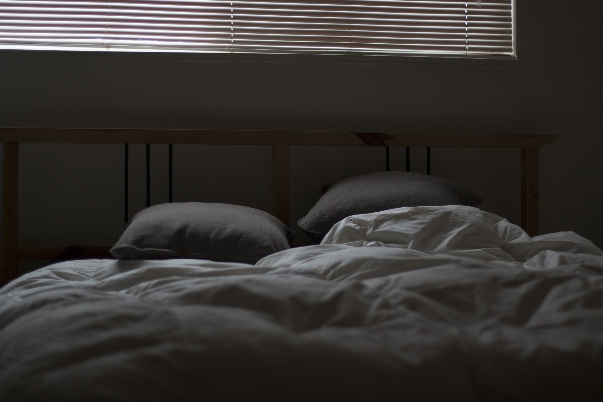 bed-731162_1920